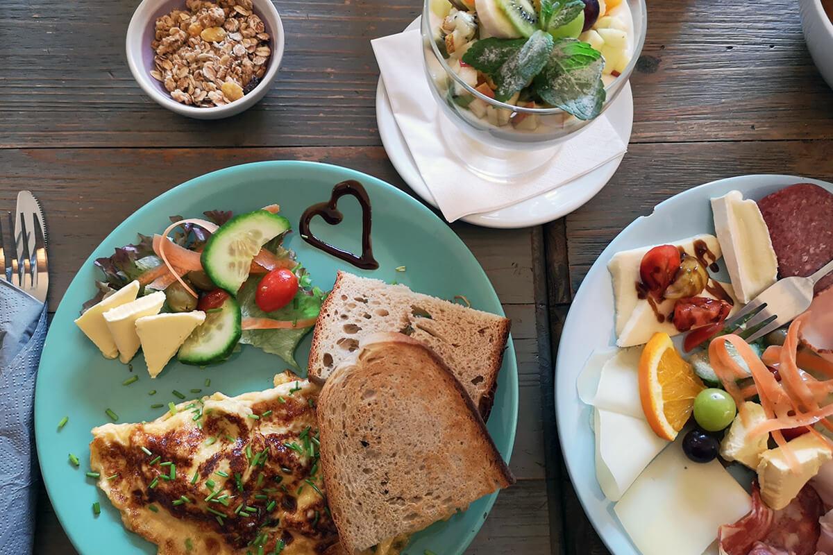 Das Bild zeigt eine Frühstücksvariation im Cornetto