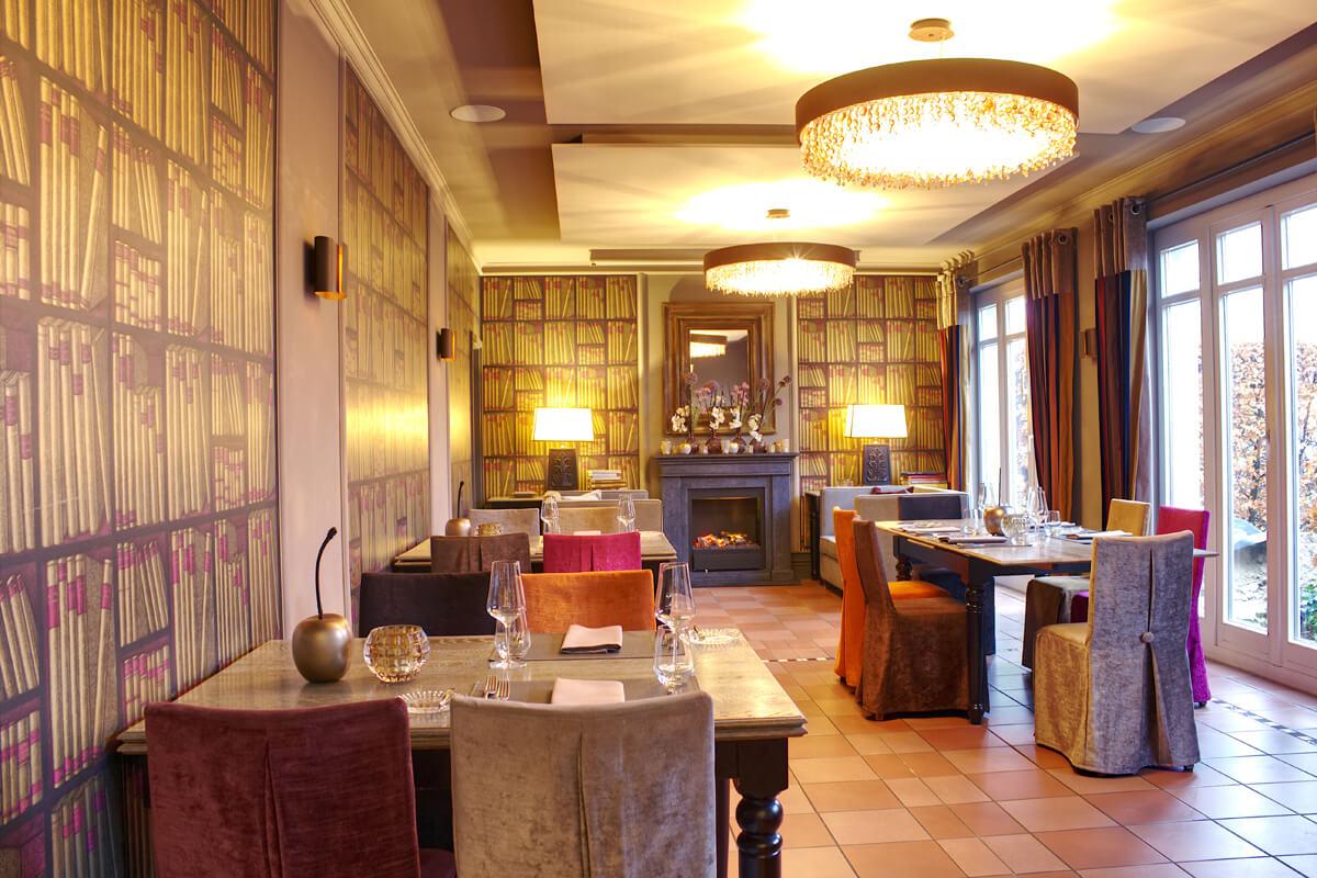 Das Bild zeigt das Interieur des Restaurants Hackbarth.