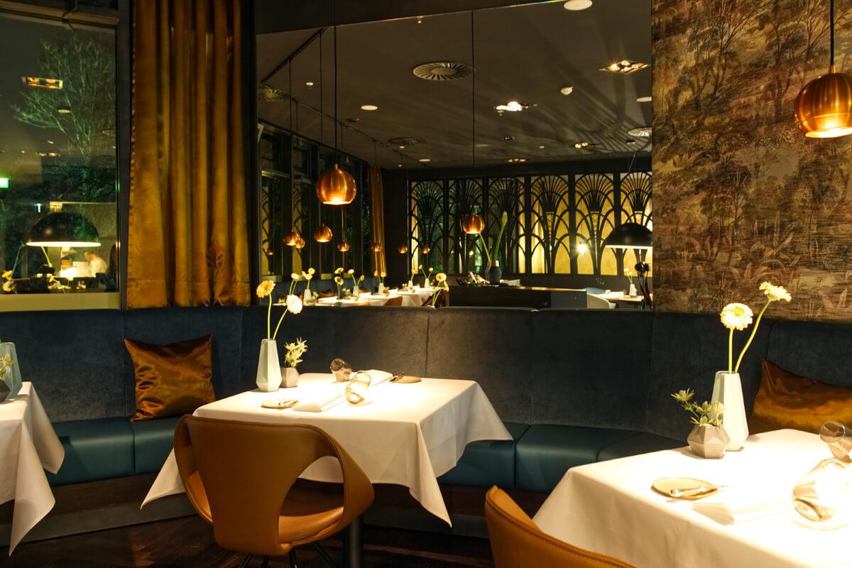 Das Bild zeigt das Interieur des Restaurants Palmgarden.