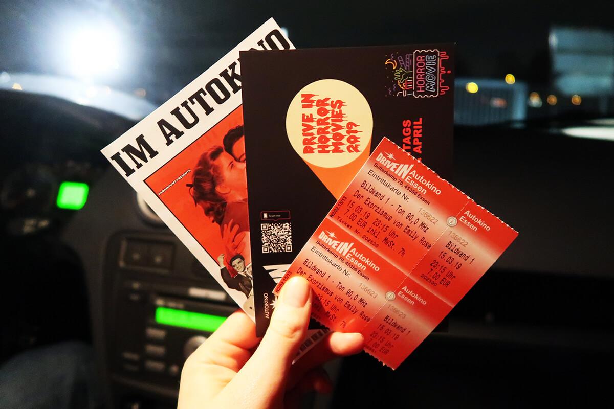 Das Foto zeigt Eintrittskarten des Autokinos Essen