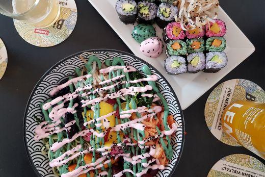 Das Foto zeigt das bunte Essen des Kimbap Spot in Bochum