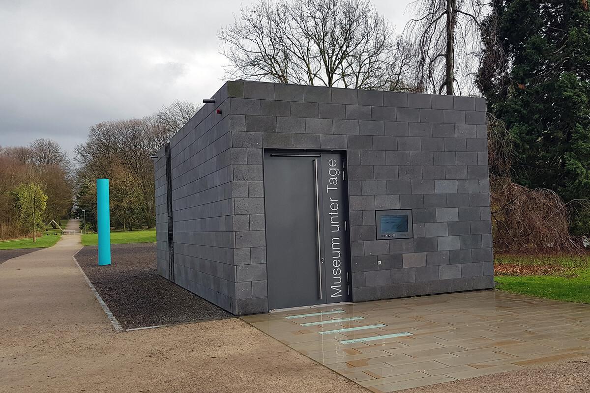 Das Foto zeigt das Museum unter Tage im Schlosspark Weitmar