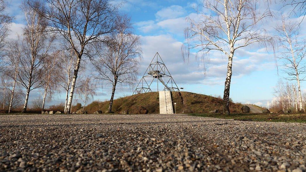 Das Foto zeigt den Tetraeder in Bottrop