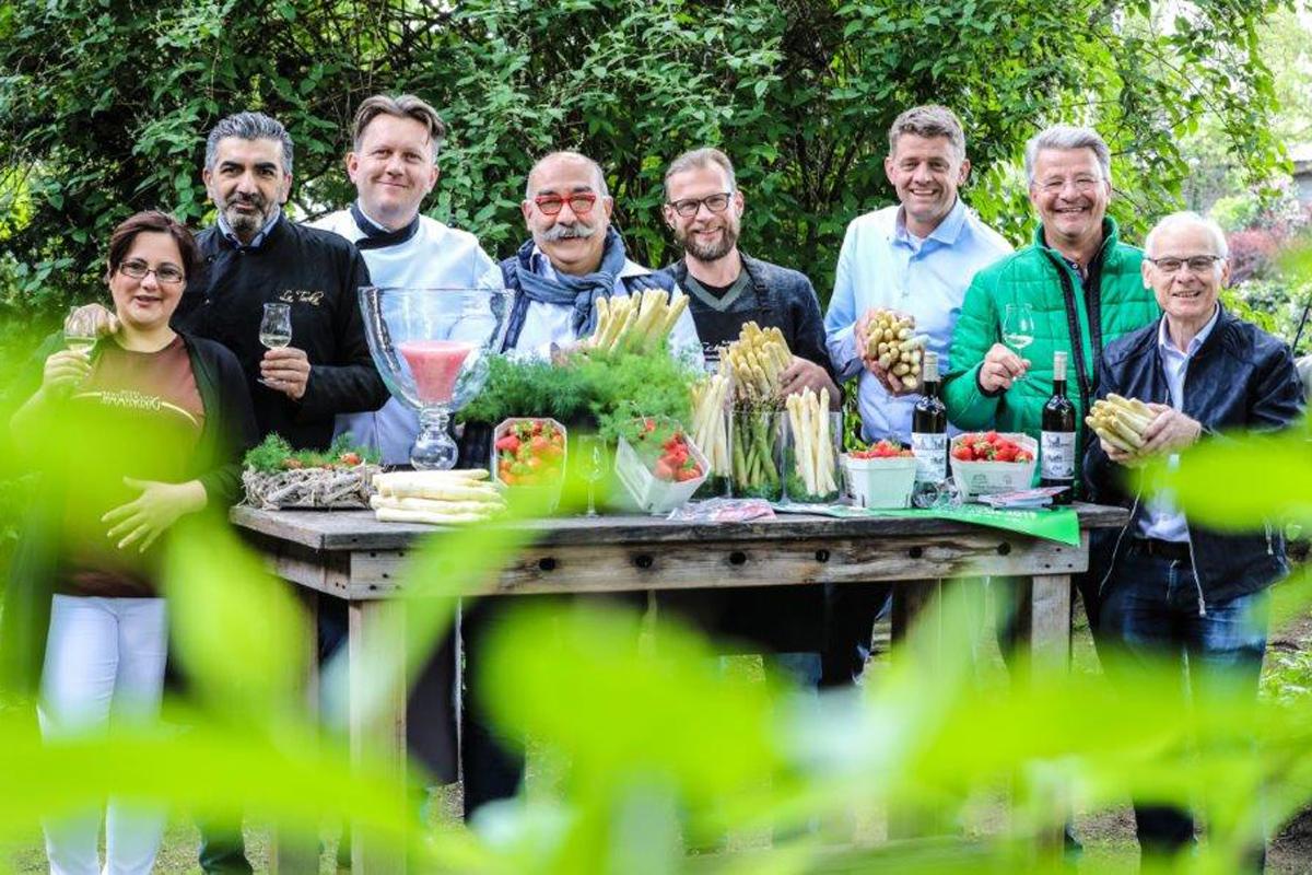 Das Foto zeigt die Köche vom Spargel-Gourmet-Festival 2019