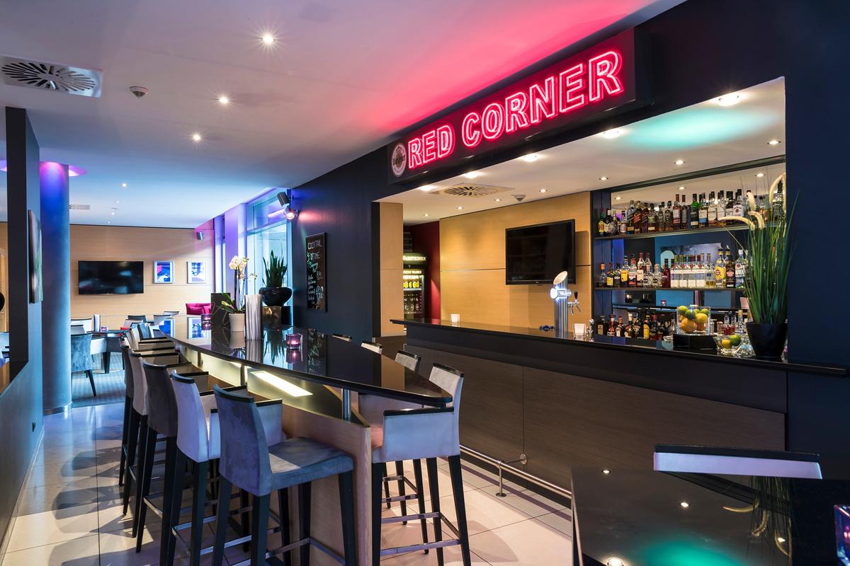 Das Bild zeigt die Bar im Welcome Hotel Essen