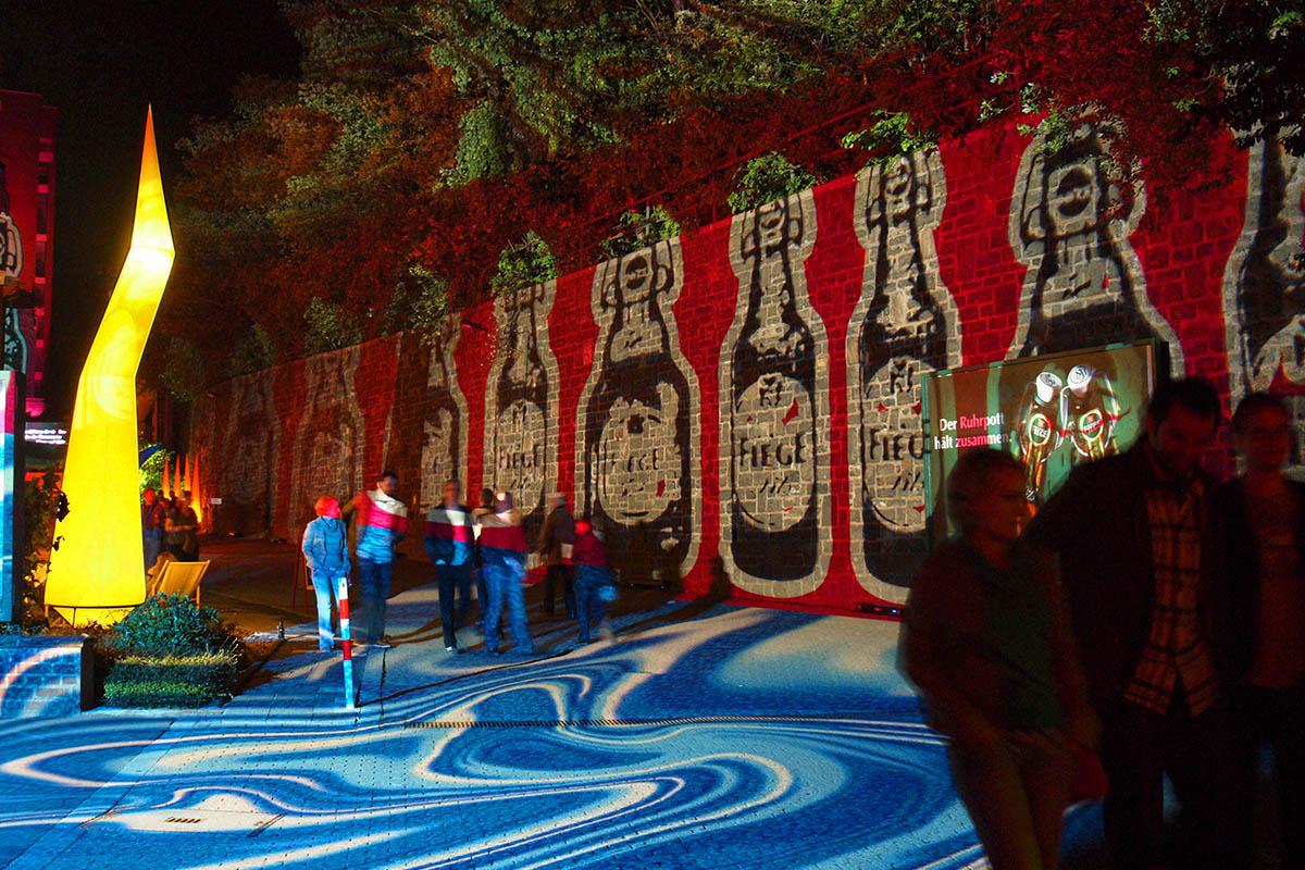 Lichtkunst auf dem Gelände der Fiege Brauerei in Bochum
