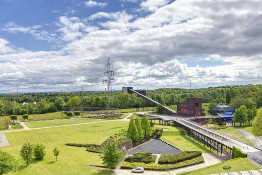 Foto zeigt den Ausblick auf den Nordsternpark Gelsenkirchen als Tipps für einen Kurzurlaub mit Hund im Ruhrgebiet