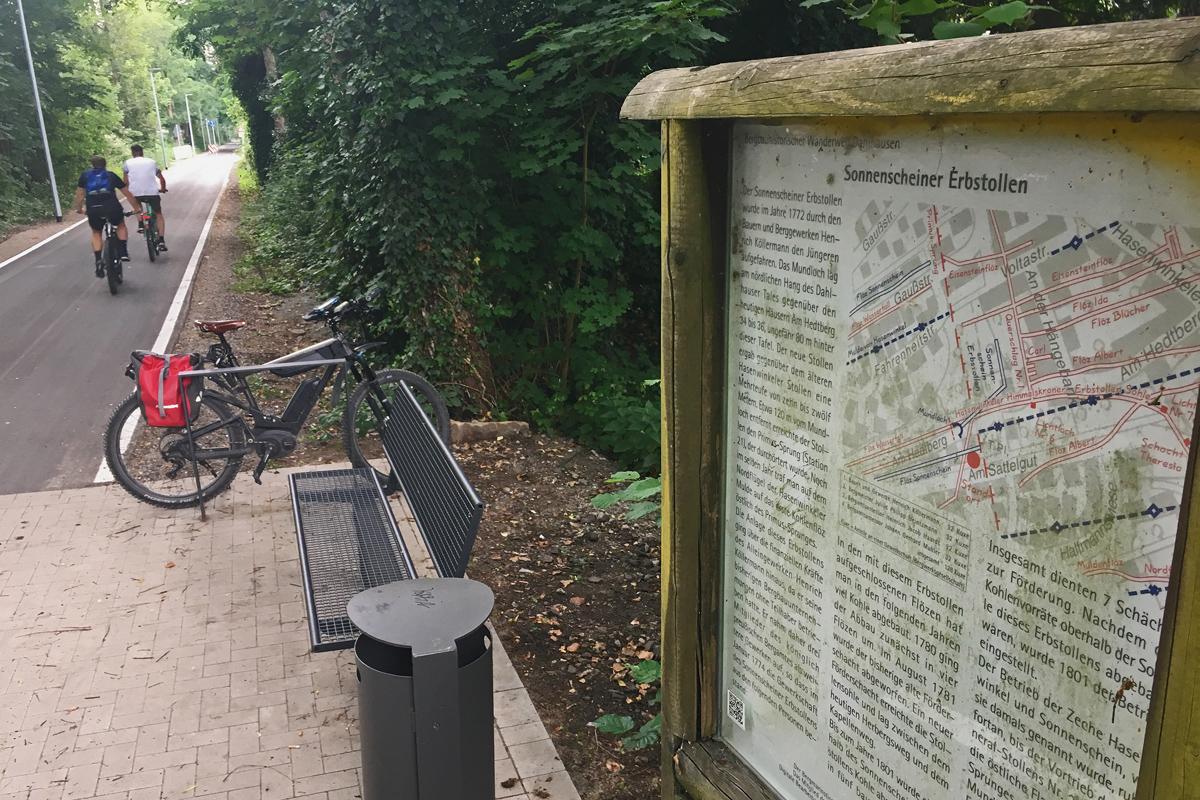 das Bild zeigt eine Infotafel an der Springorum-Trasse