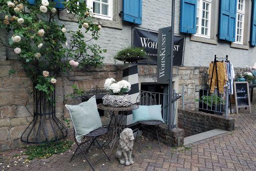 Das Foto zeigt den Laden WohnKunst in Mülheim an der Ruhr von außen