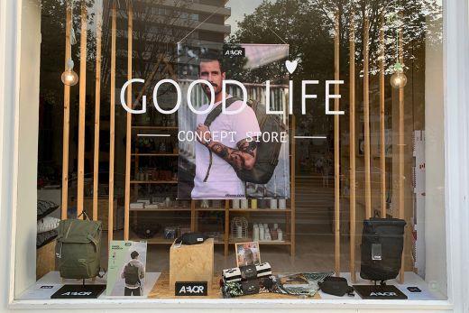 """Das Foto zeigt das Schaufenster des Concept Stores """"Good Life"""" in Mülheim an der Ruhr"""
