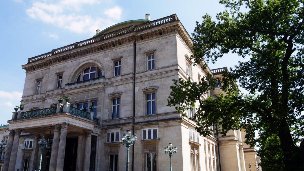 Das Bild zeigt die imposante Villa Hügel in Essen