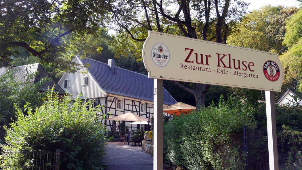 Das Bild zeigt den Biergarten Zur Kluse in Essen