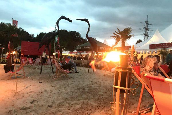 Das Bild zeigt das Zeltfestival Ruhr bei Dämmerung