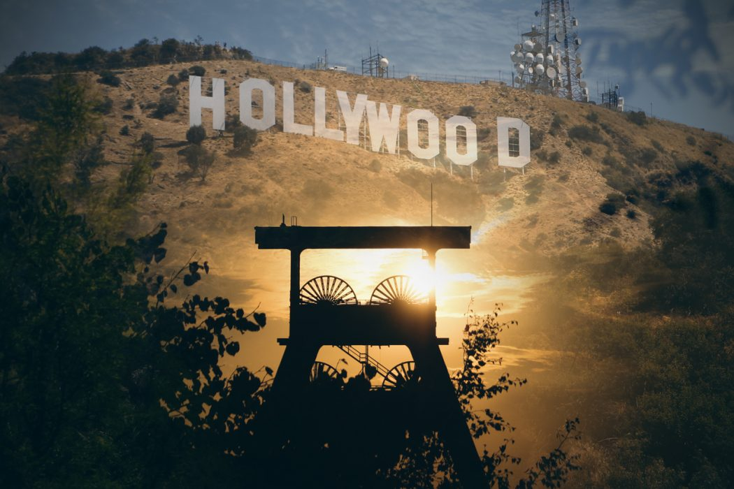 Das Bild zeigt den Doppelbock vor den Hollywood Hills
