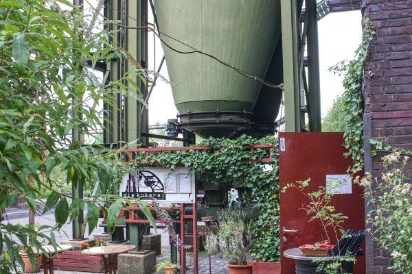 Das Foto zeigt den Außenbereich der Kokerei Cafés auf der Kokerei Zollverein