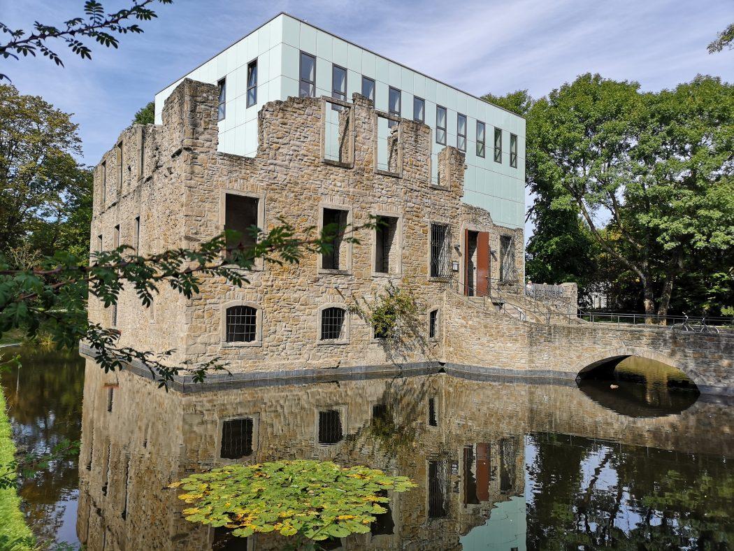 Das Bild zeigt den Schlosspark Weitmar.