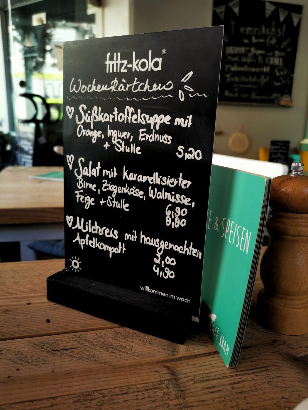Das Bild zeigt die Wochenkarte des Café Kram in Bottrop