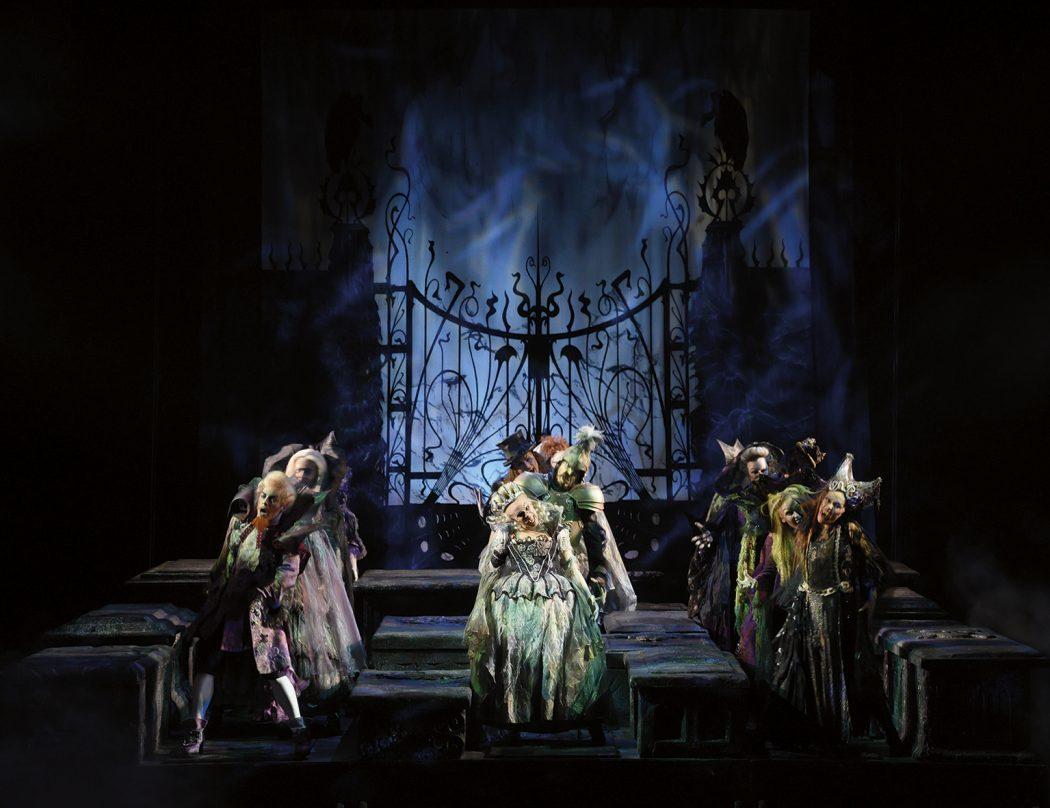 Das Foto zeigt eine Tanzszene aus dem Musical Tanz der Vampire