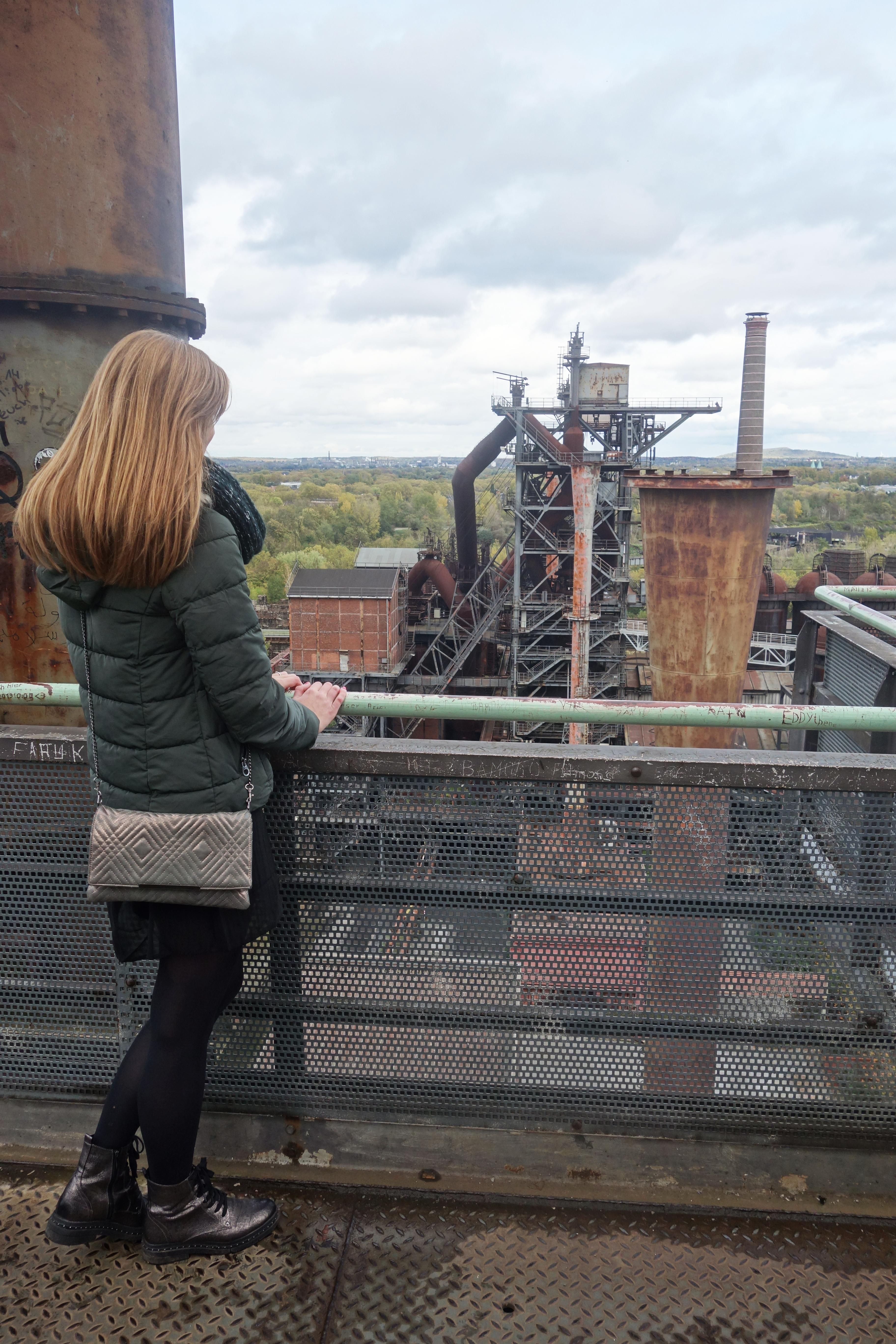 Das Bild zeigt den Ausblick vom Hochofen im Landschaftspark Duisburg-Nord