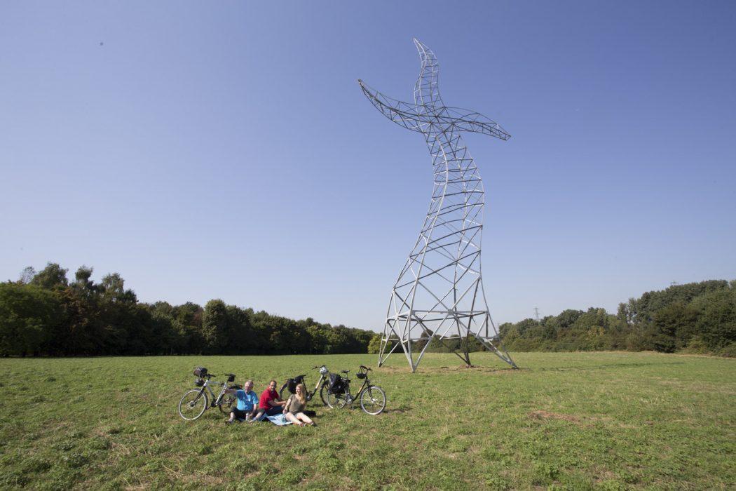 Das Foto zeigt den Strommast Zauberlehrling