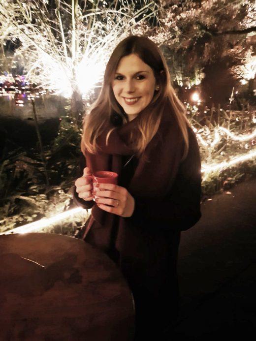 Das Bild zeigt Alx auf dem Phantastischen Lichter Weihnachtsmarkt