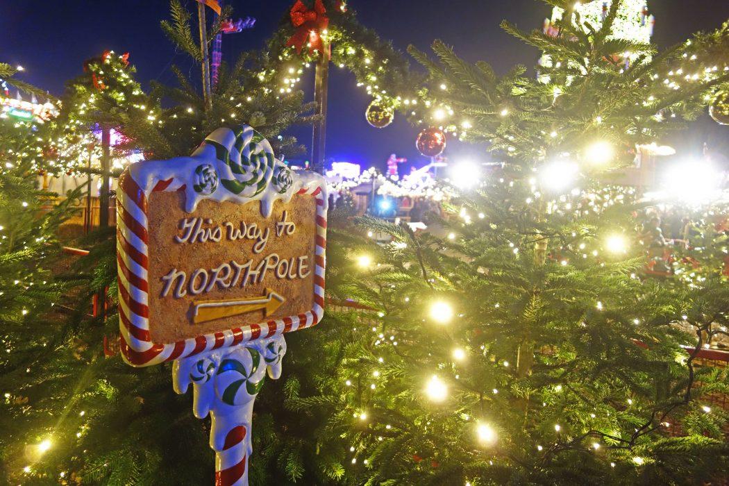Das Bild zeigt ein Schild auf Cranger Weihnachtszauber