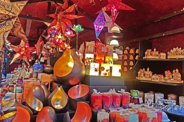 Das Bild zeigt Dekoartikel auf der Bochumer Weihnacht