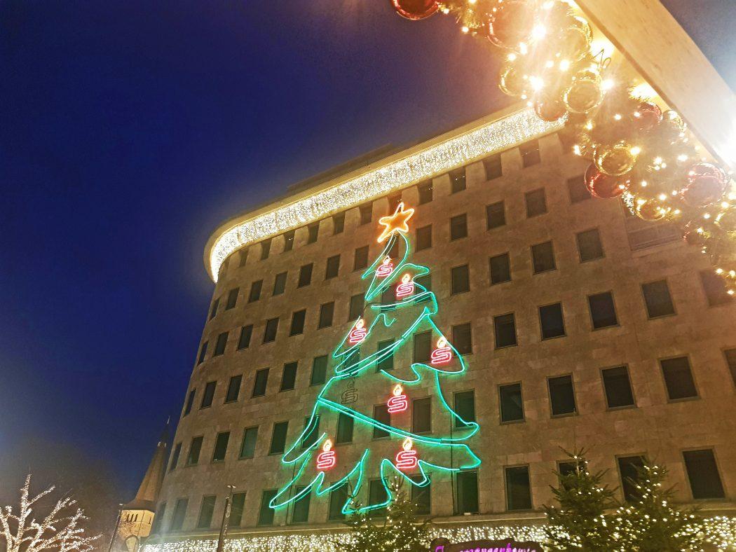 Das Bild zeigt die Beleuchtung auf der Bochumer Weihnacht