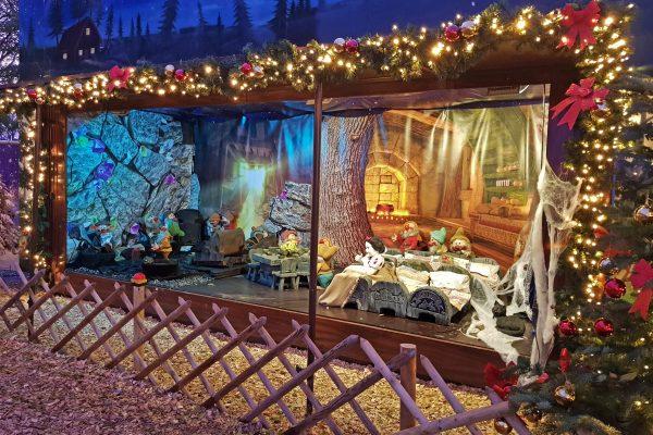 Das Bild zeigt den Märchenwald auf Cranger Weihnachtszauber