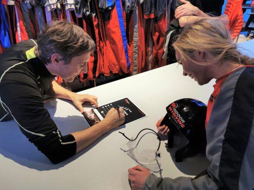 Das Bild zeigt Sandra beim Indoor Skydiving in Bottrop