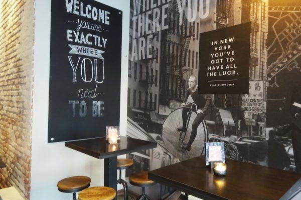 Das Bild zeigt die Bar Gin & Jagger