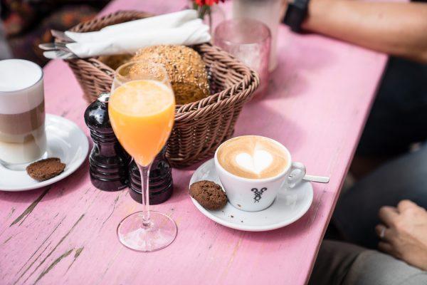 Das Bild zeigt ein Frühstück im Cafe Zucca in Essen