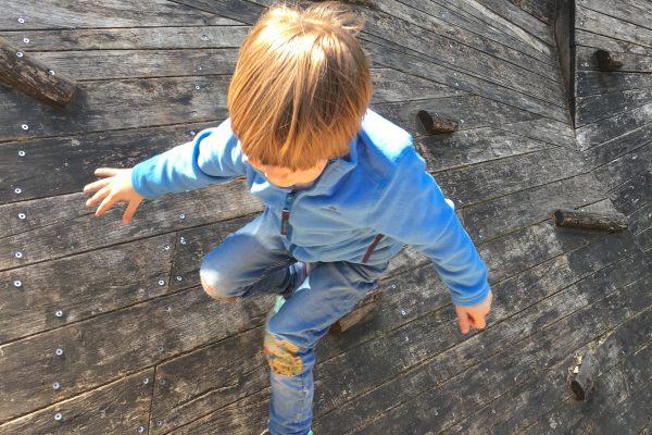 Das Foto zeigt ein Kind im Kettler Hof in Haltern am See