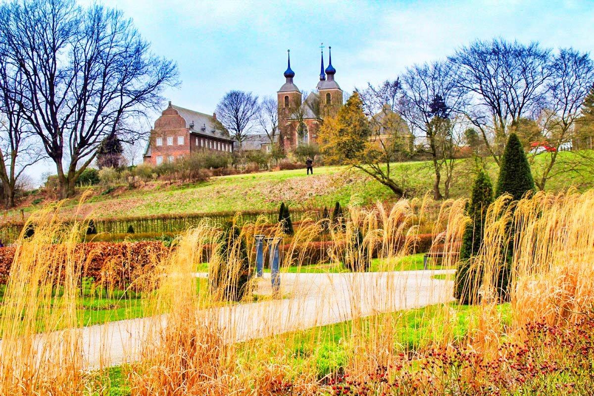 Das Bild zeigt den Alten Garten des Kloster Kamps
