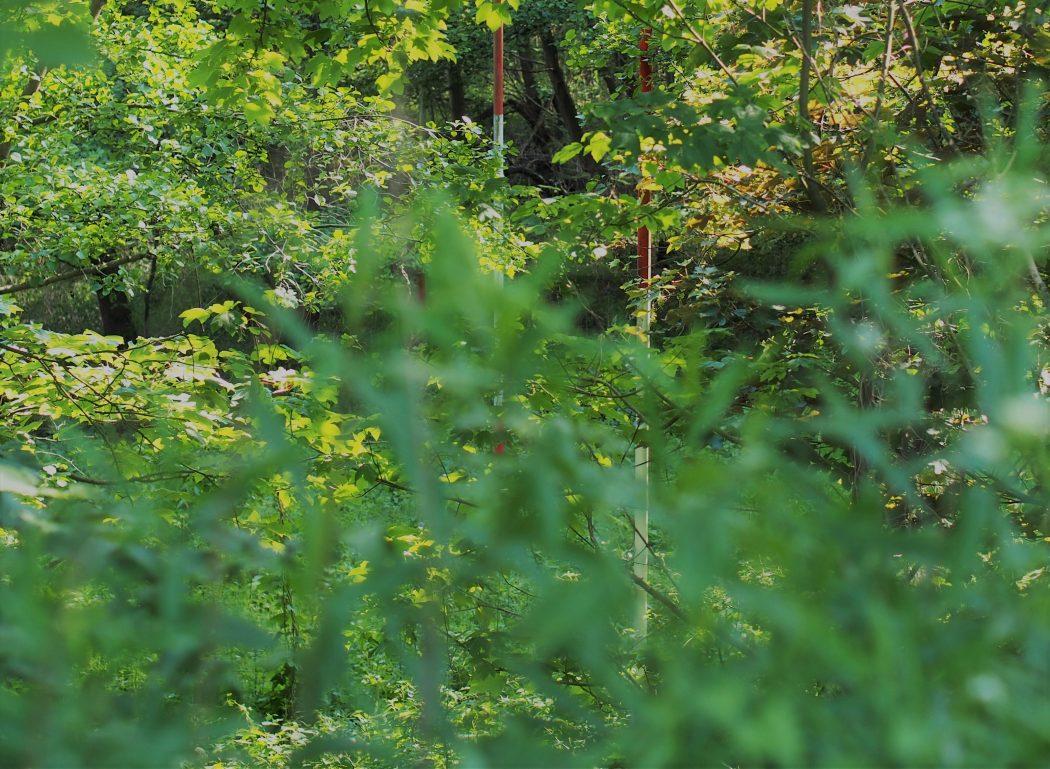Messstangen im Vorgarten der Zeche Ewald