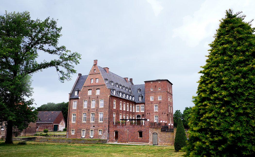Das Bild zeigt ein Schloss.