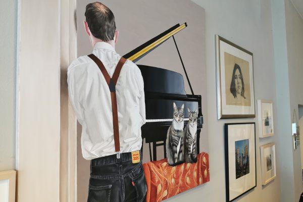 Das Foto zeigt ein Kunstwerk von Osman Bol im Vintage Wohnzimmer in Hamm