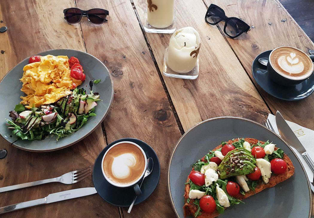 Das Foto zeigt Frühstück und Kaffee im Perfetto in Mülheim