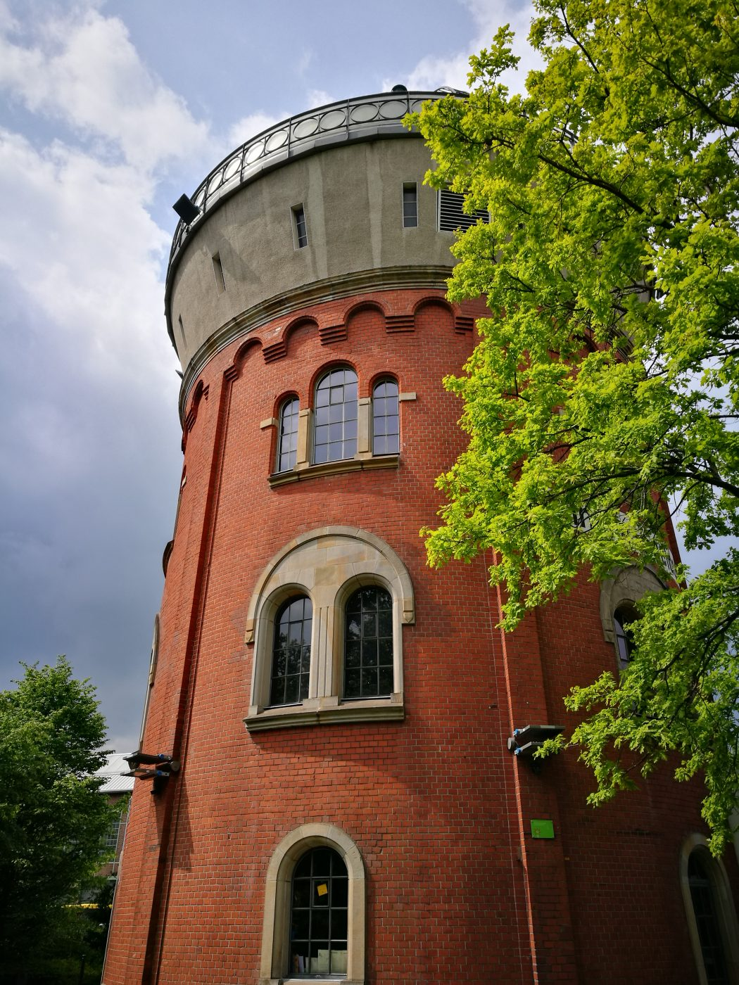 Das Bild zeigt einen Wasserturm