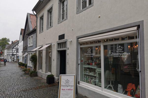 Das Foto zeigt eine Botique in der Altstadt von Essen-Werden