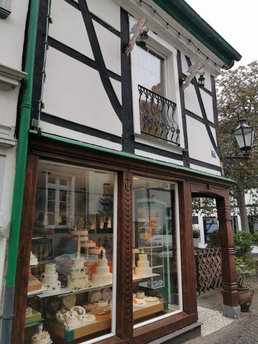 Das Foto zeigt eine Konditorei in der Altstadt von Essen-Werden