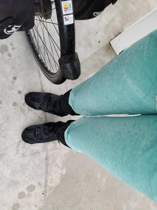 Das Foto zeigt Sandras nasse Fahrradhose