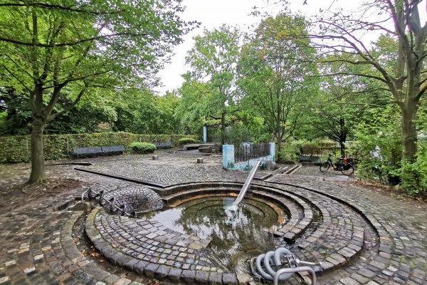 Das Foto zeigt den Wasserspielplatz im Darlington Park in Mülheim an der Ruhr.