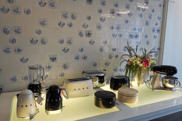Das Foto zeigt Produkte der Marke SMEG in der Villa Wesco in Arnsberg