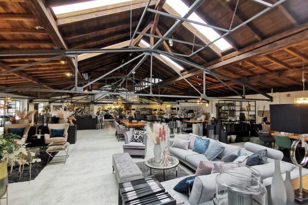 Das Foto zeigt die Möbelausstellung in Haus Drei der VILLA WESCO.