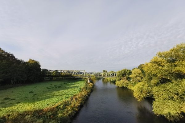 Das Foto zeigt die Ruhr in Fröndenberg