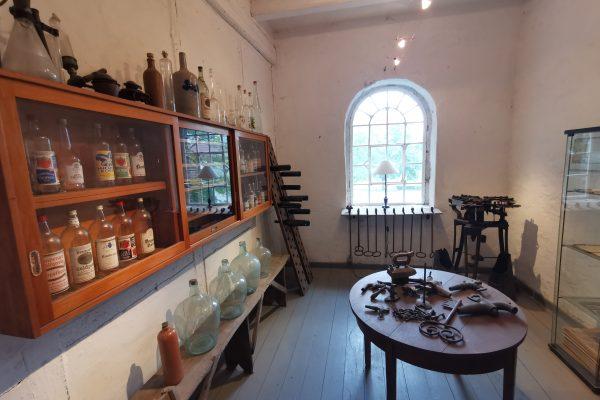 Das Foto zeigt das kleine Museum der Gutsbrennerei Bimberg in Iserlohn