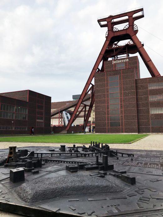 Das Foto zeigt die Zeche Zollverein in Essen