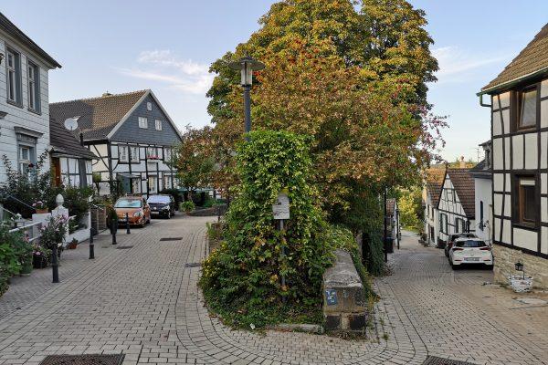 Das Foto zeigt Fachwerkhäuser in Blankenstein in Hattingen