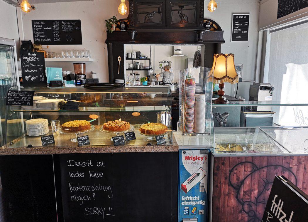 Das Foto zeigt den Küchenbereich von Omi backt in Bochum